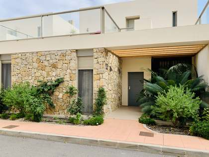 214m² House / Villa with 23m² garden for sale in El Campello