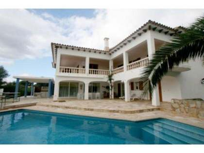 305m² House / Villa with 685m² garden for sale in Ciudadela