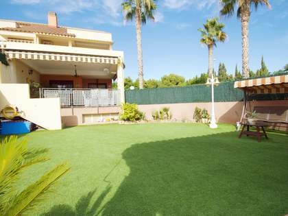 300m² House / Villa with 115m² garden for sale in golf