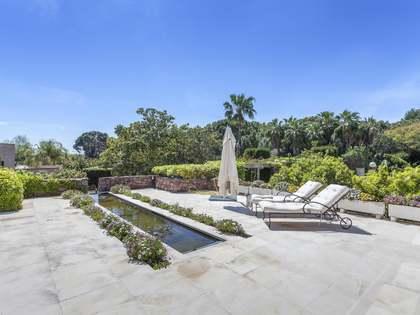 Huis / Villa van 528m² te koop met 2,540m² Tuin in Alfinach