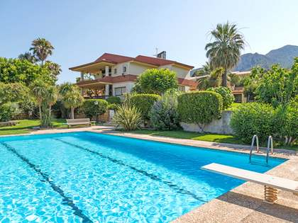 650m² House / Villa with 3,000m² garden for sale in Alicante ciudad