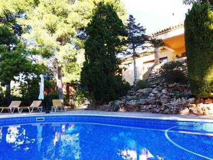 Chalet de 4 dormitorios con piscina en venta en Monasterios