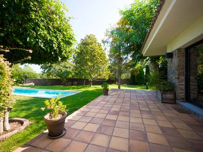 317m² House / Villa with 1,329m² garden for sale in Sant Cugat