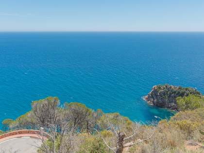 Exclusive first line Costa Brava building plot to buy