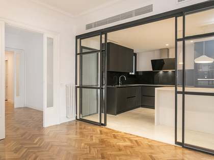 171 m² apartment with 6 m² terrace for rent in Turó Park