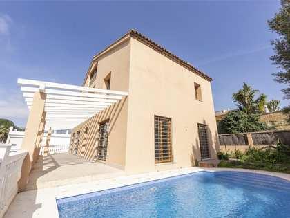Casa / Villa de 357m² en venta en Nueva Andalucía
