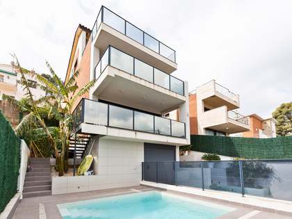 278m² House / Villa for rent in Montemar, Barcelona