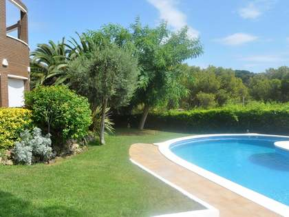 Family house for sale in Castelldefels with sea views