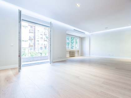 303m² Apartment for sale in Castellana, Madrid