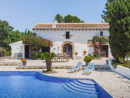 Huis / Villa van 420m² te koop in Jávea, Costa Blanca