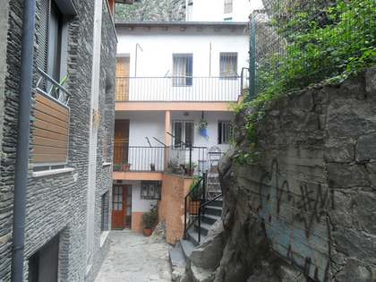 Duplex for sale in the historic center of Andorra la Vella