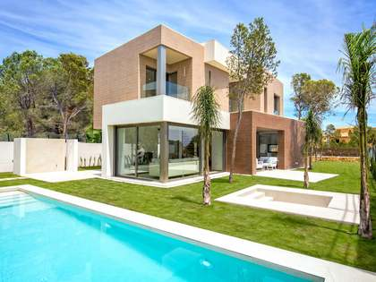 215m² House / Villa with 123m² terrace for sale in Alicante ciudad