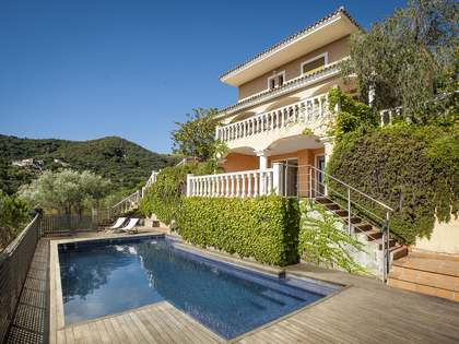 5-bedroom Mediterranean villa with sea views for sale Alella