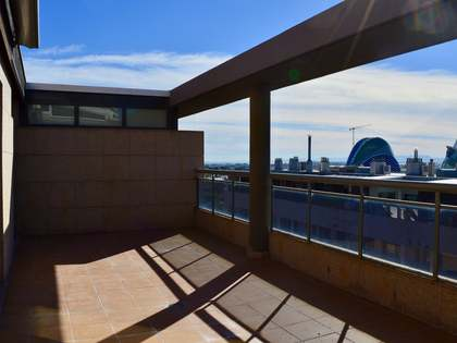 211m² Penthouse with 30m² terrace for rent in Ciudad de las Ciencias