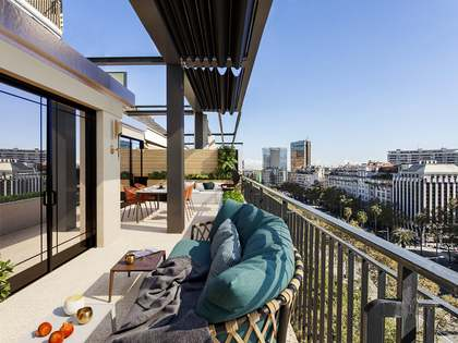373m² Penthouse with 242m² terrace for sale in Turó Park