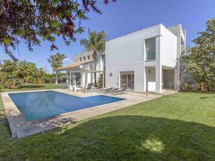 Villa de 558m² con 950m² de jardín en venta en Bétera
