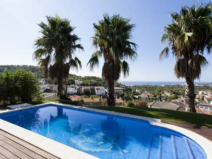 237 m² villa for sale in Levantina, Sitges
