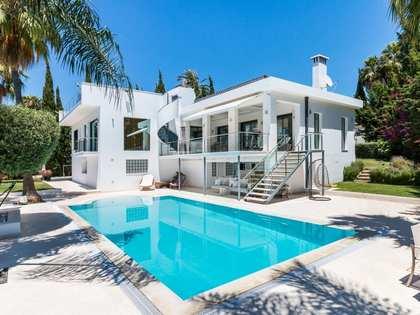 Maison / Villa de 441m² a vendre à Nueva Andalucía avec 1,348m² de jardin