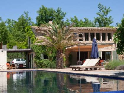 Girona country house to buy