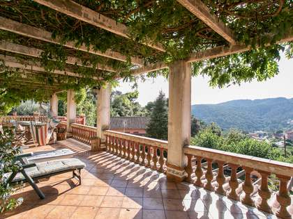 358m² House / Villa with 719m² garden for sale in Vallvidrera