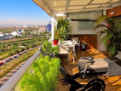 Penthouse van 180m² te koop met 55m² terras in Ciudad de las Ciencias