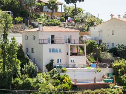 Lovely villa to buy in Lloret de Mar on the Costa Brava