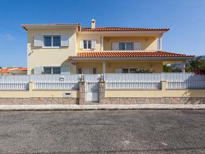 272m² House / Villa for sale in Sintra & Silver Coast