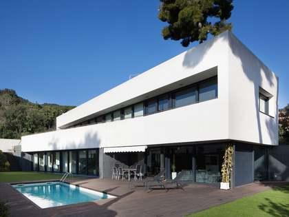 Contemporary style villa for sale in Premià de Dalt, Spain