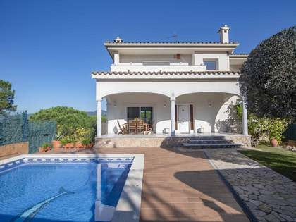 343m² House / Villa for sale in Santa Cristina, Costa Brava