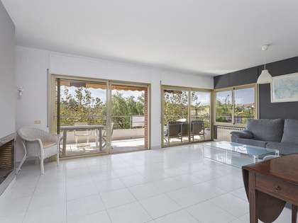 85m² Apartment for sale in Terramar, Barcelona
