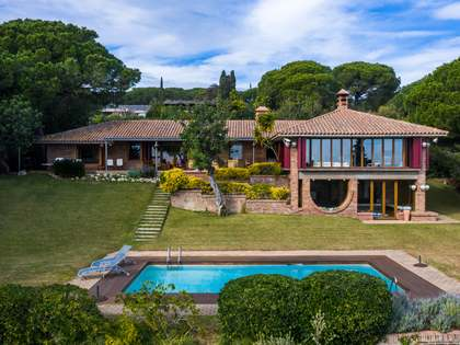 649m² House / Villa for sale in Sant Andreu de Llavaneres