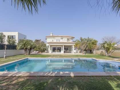 390m² House / Villa for sale in Bétera, Valencia