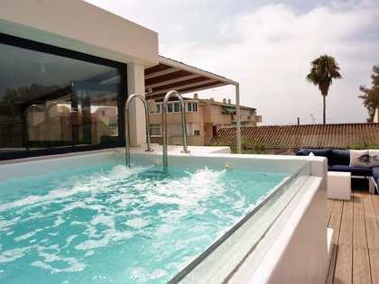 Huis / Villa van 202m² te koop in East Málaga, Malaga