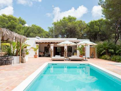 292m² House / Villa for sale in Santa Eulalia, Ibiza