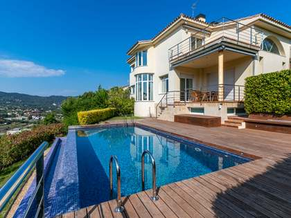 538m² House / Villa for sale in Alella, Barcelona