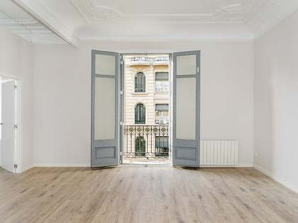3-bedroom apartment to rent on Carrer Paris, Eixample