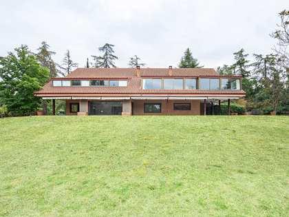 920m² Haus / Villa zum Verkauf in Pozuelo, Madrid