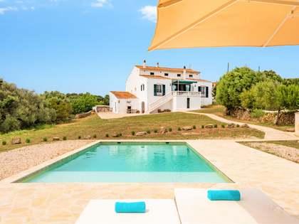 Masia de 1,500m² en venda a Mercadal, Menorca