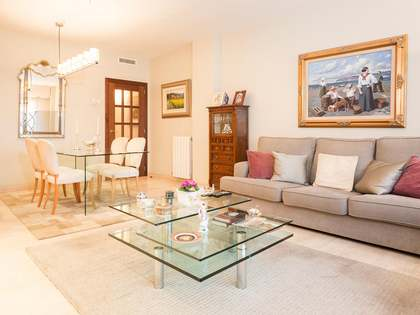 Pis de 105m² en venda a Tres Torres, Barcelona