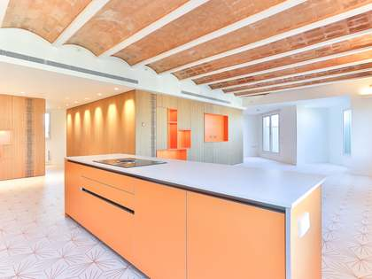 178m² Apartment with 10m² terrace for sale in Eixample Right