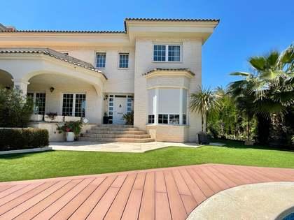 Huis / Villa van 711m² te koop met 500m² Tuin in Playa San Juan
