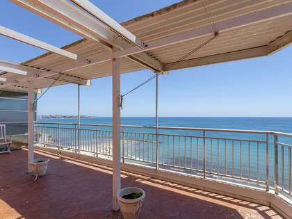 392m² Penthouse with 40m² terrace for sale in Alicante ciudad