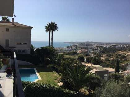 Villa de 285m² en venta en Levantina, Barcelona