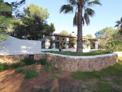 2 houses for sale just 800 metres from Cala Comte, Ibiza