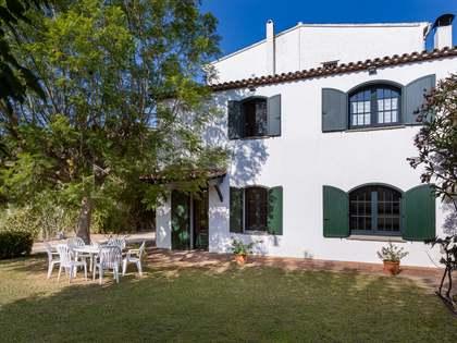 Casa / Vil·la de 1,000m² en venda a Cabrils, Barcelona