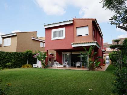 279 m² house with 200 m² garden for sale in Puzol
