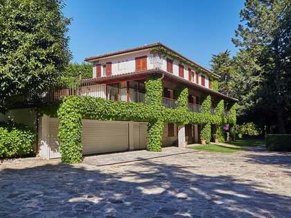 Casa / Villa de 600m² en venta en Pontevedra, Galicia