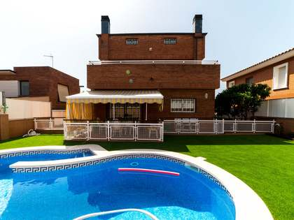 206m² House / Villa with 291m² garden for sale in Viladecans