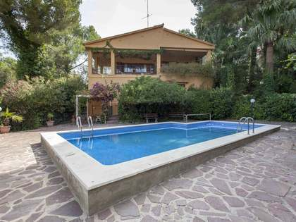 369 m² house for sale in Chiva, Valencia
