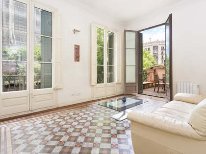 70m² Apartment with 26m² terrace for sale in Eixample Right